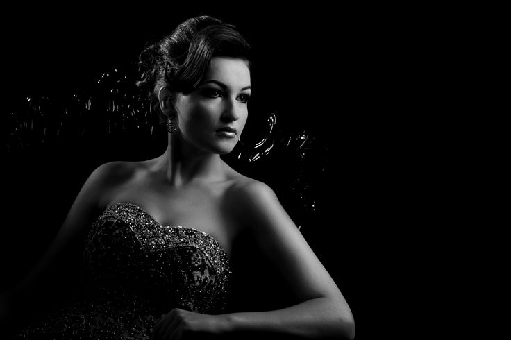 Book in today at Exclusive Photography for a Glamour Portrait session.  Visit us on www.exph.com.au Phone: 1800 800 810   #glamour #glam #glamourphotography #photography #exph #exclusivephotography