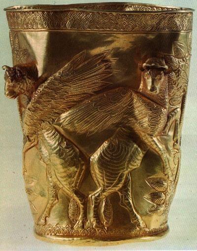 """Achaemenid Golden Vase - Iran - 500 B.C. #Achaemenids. 23 mai 2016: """" quand je vois ces objets, j'aime moins bien Alexandre""""."""