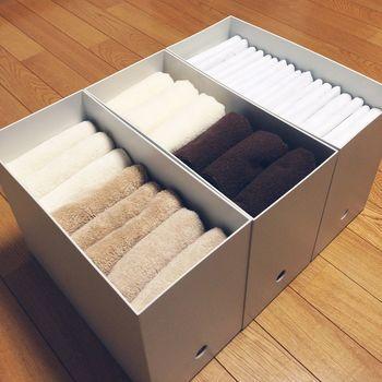 ファイル整理以外の使い方をしている方がたくさんいらっしゃいます。こちらは洗面所の収納で、タオルを畳んで収納。縦に並べて入れることで取り出しやすく、見た目もきれいですね。