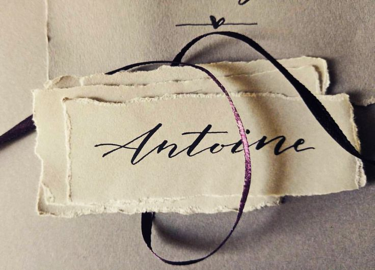 Handwritten name tags. Bespoke artistic modern calligraphy services for weddings and exquisite events.