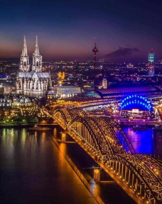 Koeln Bei Nacht Schone Stadte Deutschland Urlaub Reisen