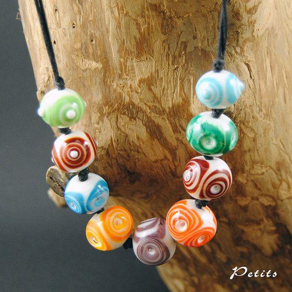 Rainbow: collana con perle in vetro di murano di LampworkAndMore