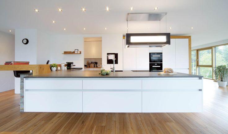 Projekte-Flybridge-weiss EN | zeyko Küchen
