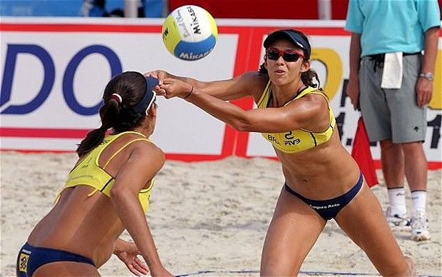 London 2012 Olympics: female beach volleyball players permitted to wear less revealing uniforms