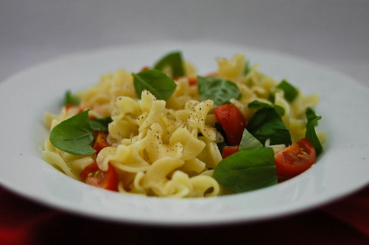 pasta! basil+cherry tomato.