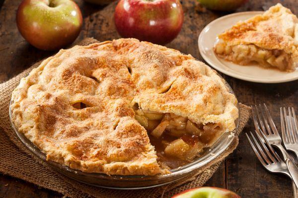 Classic Dessert Recipe: Cinnamon Apple Pie http://12tomatoes.com/2014/10/classic-dessert-recipe-cinnamon-apple-pie.html