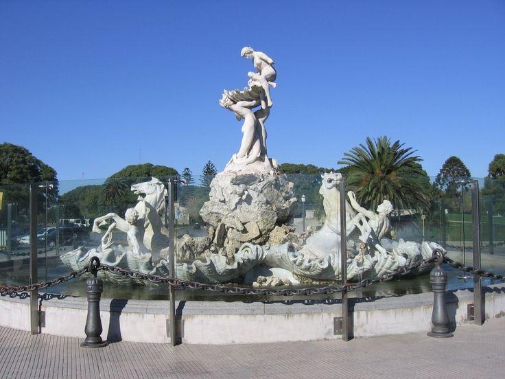 Fuente de las Nereidas - Lola Mora una mujer, hermosa, inteligente, y libre, sobre todo libre.
