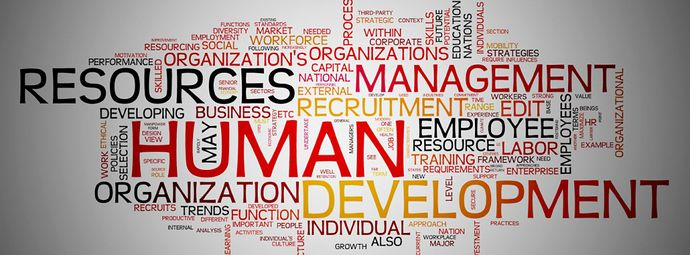 With what educational qualifications I can become a Human Resource Manager?