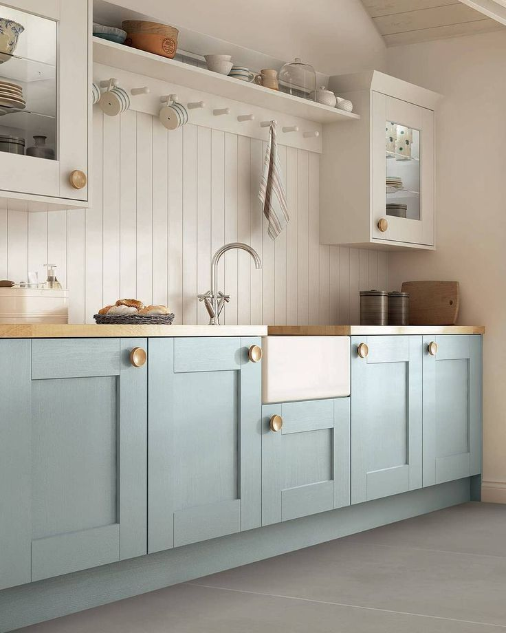 Laura Ashley Branded Kitchen With Lauraashleykitchens Www Lauraashleyki Lig Schrank I In 2020 Kitchen Cabinet Colors Kitchen Cabinet Trends Blue Kitchen Cabinets