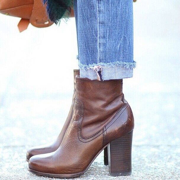 Blogger @poorlittleitgirl thinks these are the best booties ever—agree?#FRYE   #FRYESALE   #weheartit