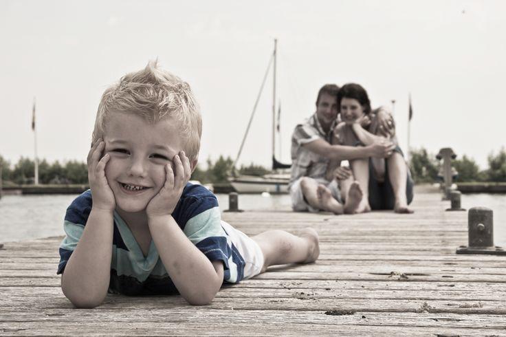 Vintage familie fotoshoot gezin spontaan www.bijdehandontwerp.nl