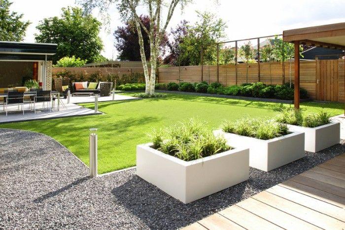 mooie strakke witte plantenbakken. leuk in combinatie met lavendel, grassoorten of andere groenblijvende planten.