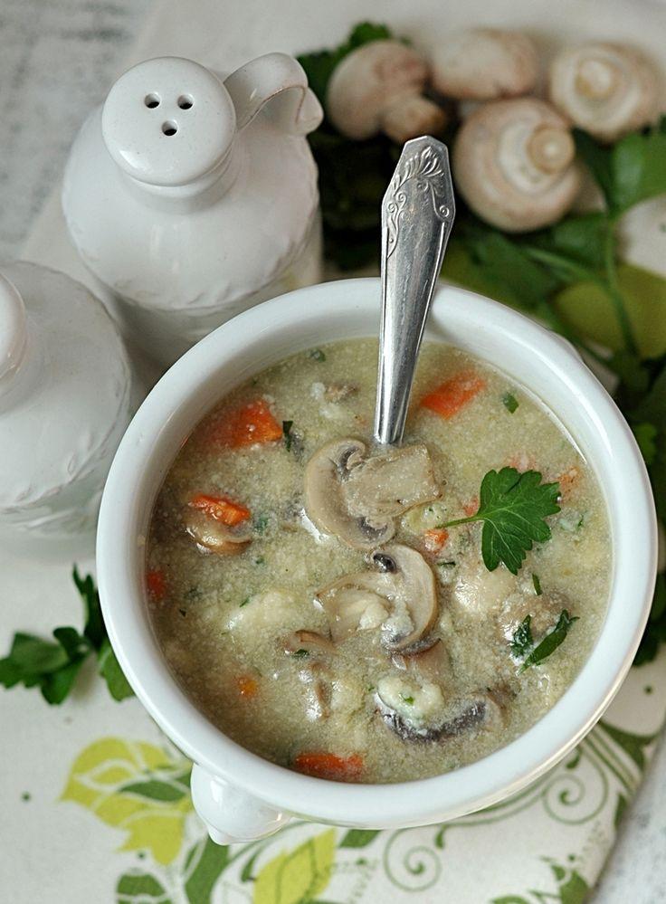 Wegetariańska zupa pieczarkowa