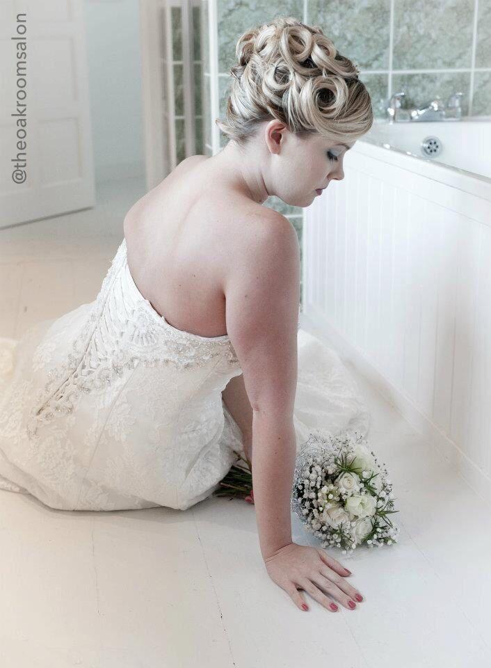 Wedding Hair by Kelly Folland. Makeup by Tania Joslin @ The Oak Room