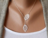 I love this. Simply pretty.: Leaf Jewelry, Etsy Leaf, Jewelry Necklaces, Christmas Presents, Simply, Collar Bones, Beautiful, Leaf Necklace, Simple Necklaces