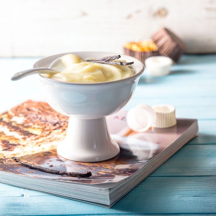 Существует два самых базовых заварных крема (или правильнее называть их кустардами): англез (или английский крем) и крем Патисьер. Они п...