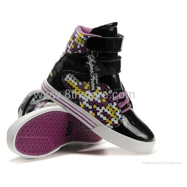 2011 supra women shoes Black and purple ❤ liked on Polyvore featuring shoes, sneakers, supra, zapatos, kohl shoes, black shoes, purple shoes, supra trainers and supra sneakers