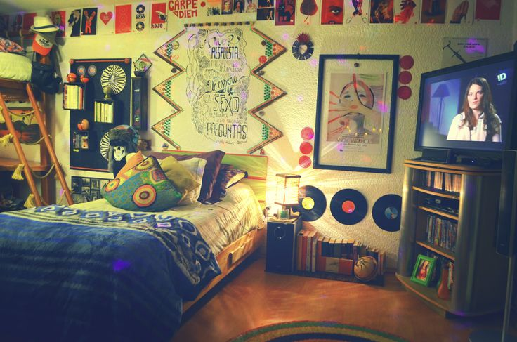 I simply love it... :)  #Room #Decorate #Bed #TV #Creative #Books #EtnoHipster #Hipster #Mexican