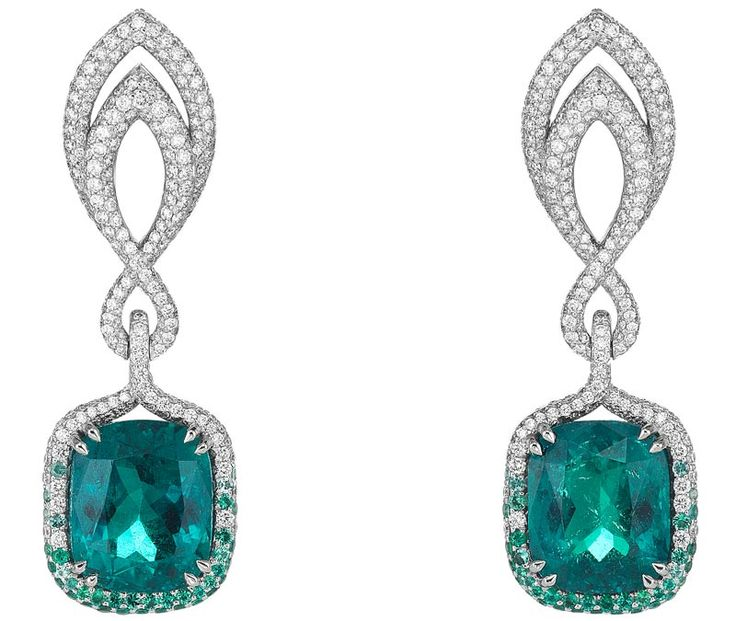 CHOPARD 2016 RED CARPET COLLECTION ~ Earrings</b> in 18ct white gold set with cushion–shaped emeralds (15.3cts)– brilliant–cut diamonds (3cts) and brilliant–cut emeralds