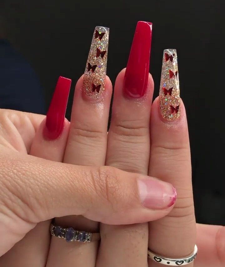 Red In 2020 Red Nails Glitter Quinceanera Nails Holiday Acrylic Nails