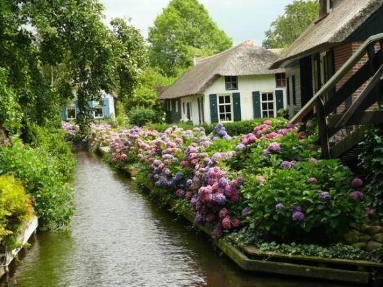 Resultado de imagen para giethoorn village holanda