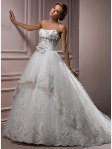 http://www.didobridal.com/ivory-floral-princess-strapless-chapel-train-organza-lace-wedding-drss.html# - For more amazing deals visit us at http://www.brides-book.com and remember to join the VIB Club for amazing offers from all our local vendors.