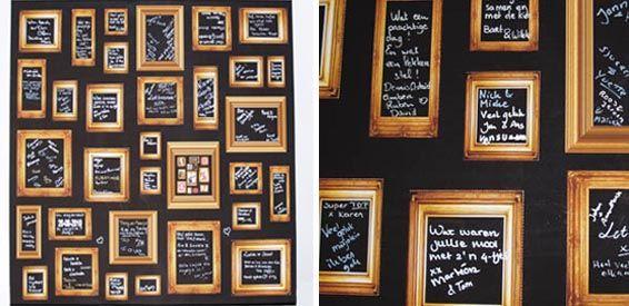 GastenDOEK. Met andere woorden: een mooi canvas doek, bedrukt met allemaal kleine fotolijstjes, dat wordt gespannen op een houten frame. Paar textielstiften erbij en je gasten kunnen in de lijstjes allemaal leuke, lieve & hartverwarmende woorden aan het bruidspaar krabbelen. Daarna is het doek kant-en-klaar om in huis een mooi plekje te geven.