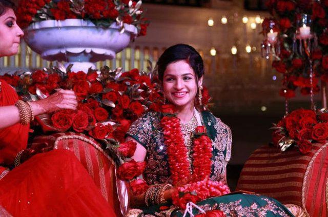Antalya'da bir otel, 3 gün 3 gece sürecek Hint düğünü için kapatıldı. Dünyanın sayılı zenginlerinden sayılan Hintli Gupta ailesinin oğlu Kamal Gupta, ünlü bir Hintli işadamının yeğeni Palak ile evlendi