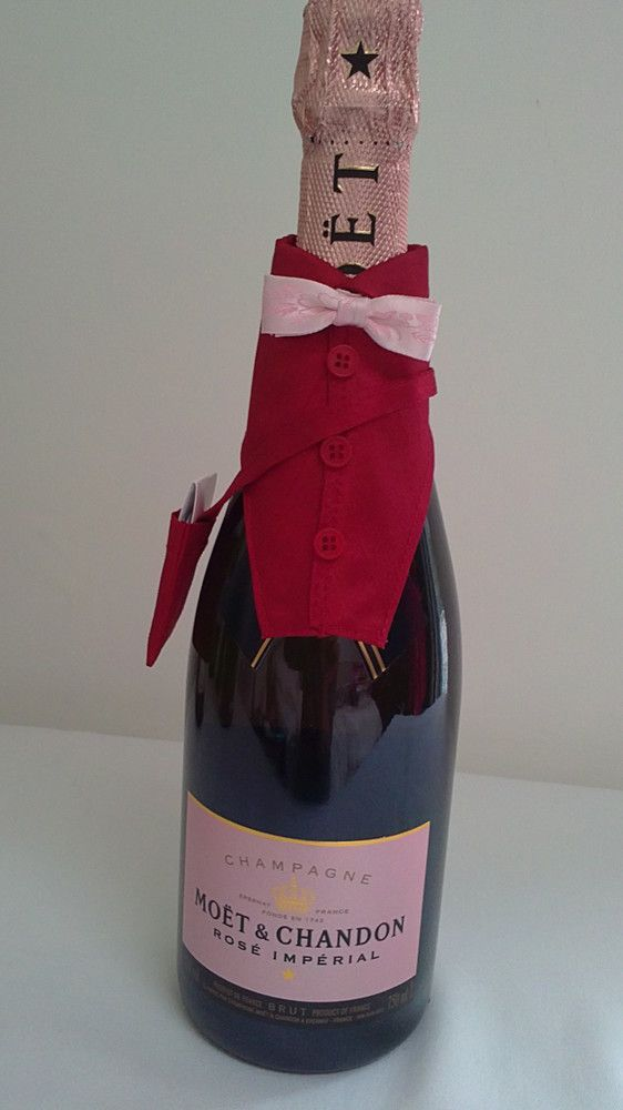 Champagne & Wine Bottle Cover (code 12) £12.50