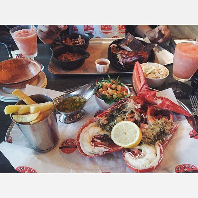 2016 #LobsterFest covered in lemon and garlic butter is always a great choice. Accompanied by house salad, chips and a frozen strawberry daiquiri, how could you go wrong?  #lobster #chips #salad #bigeasy #food #foodbloggers #london #fbloggers #foodies #eating #lunch