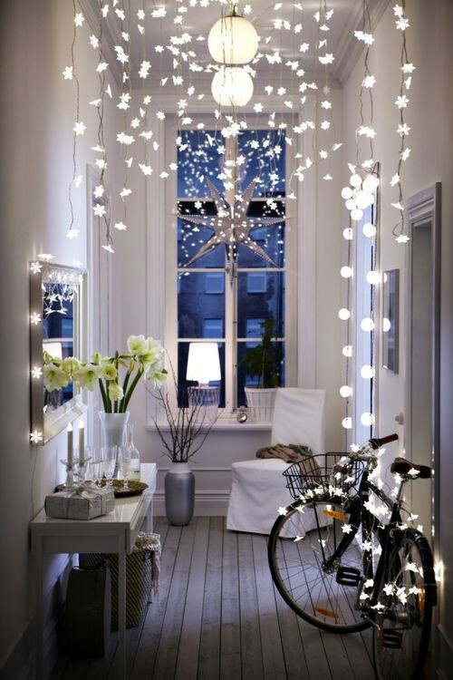 Something festive for what I'd imagine my New York apartment being like ;)