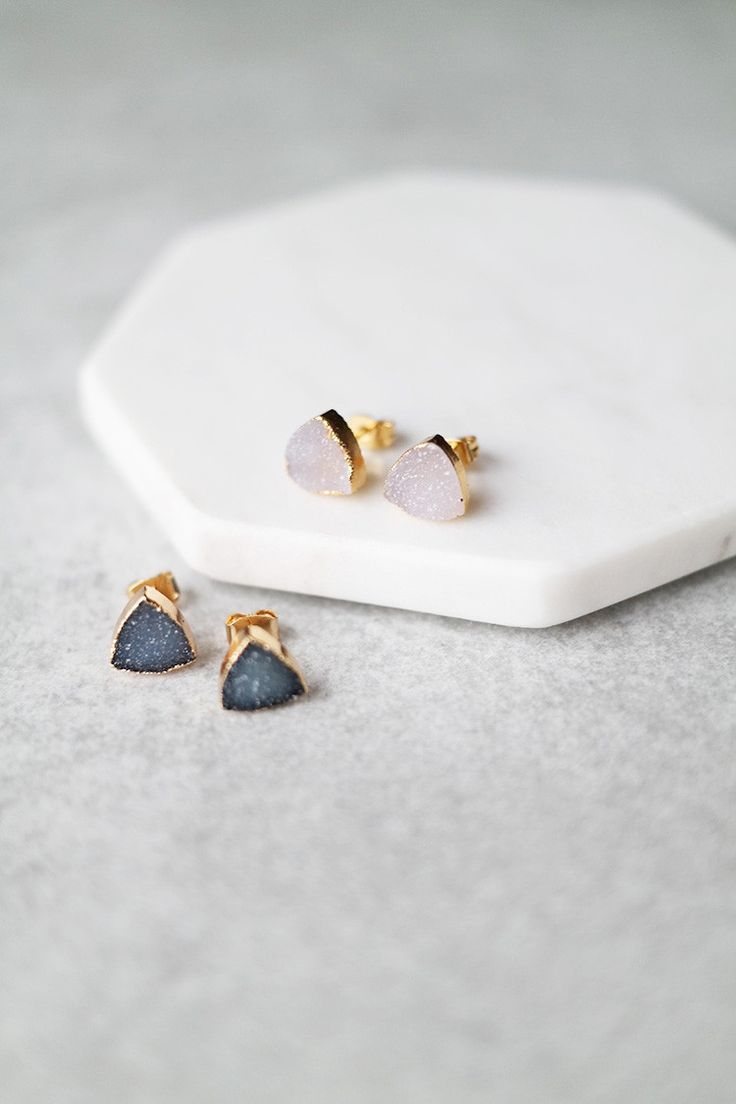 These triangle Druzy earrings are perfect for everyday wear. Details: - Width…