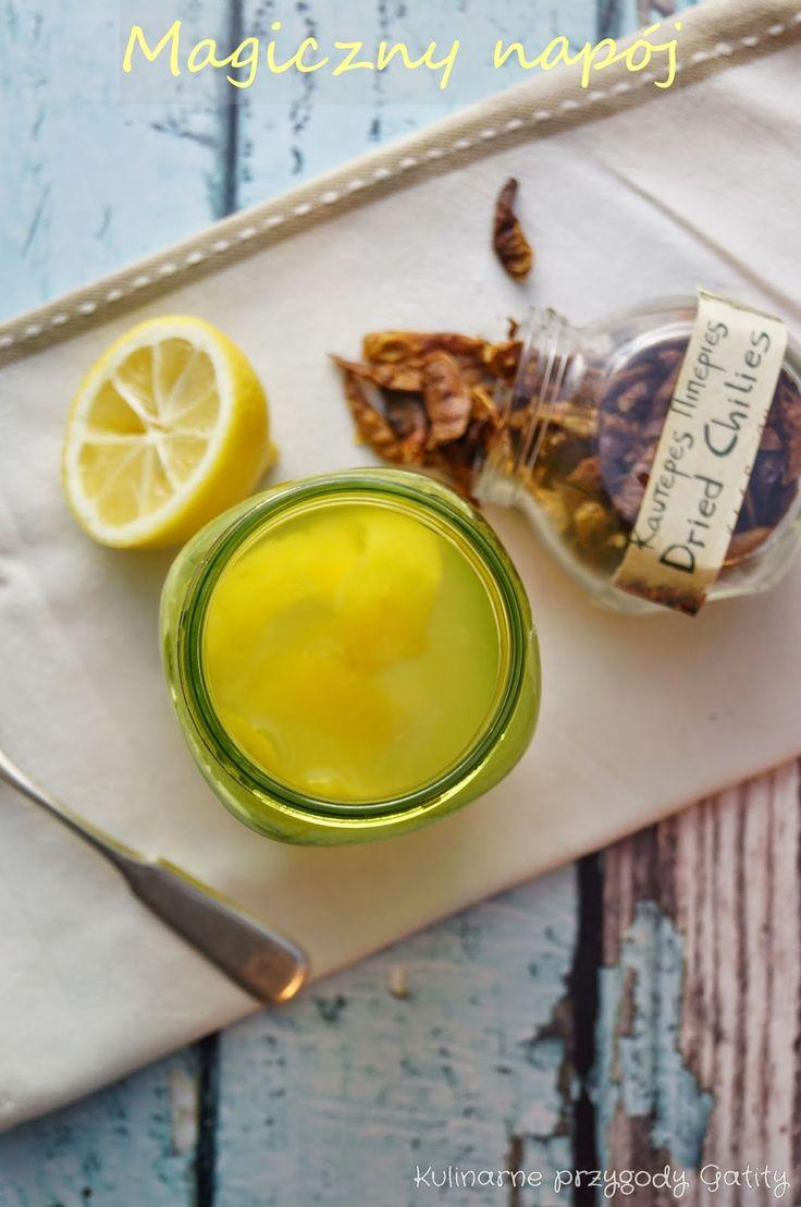 Napój spalający tłuszcz:  Składniki:   Składniki:  1 cytryna  +  1 łyżka soku z jabłka  +  1/4 - 1 łyżka sproszkowanego chili  +  240 ml wody