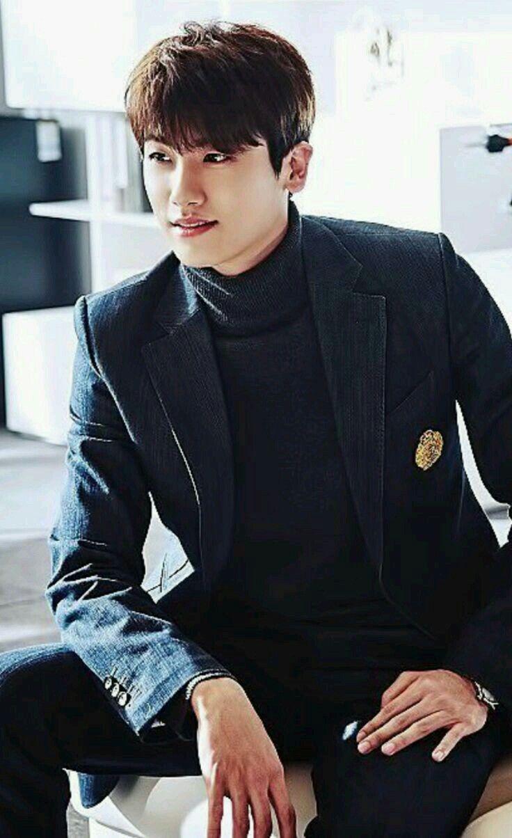 Hyungsik of ZE:A ... hemmm