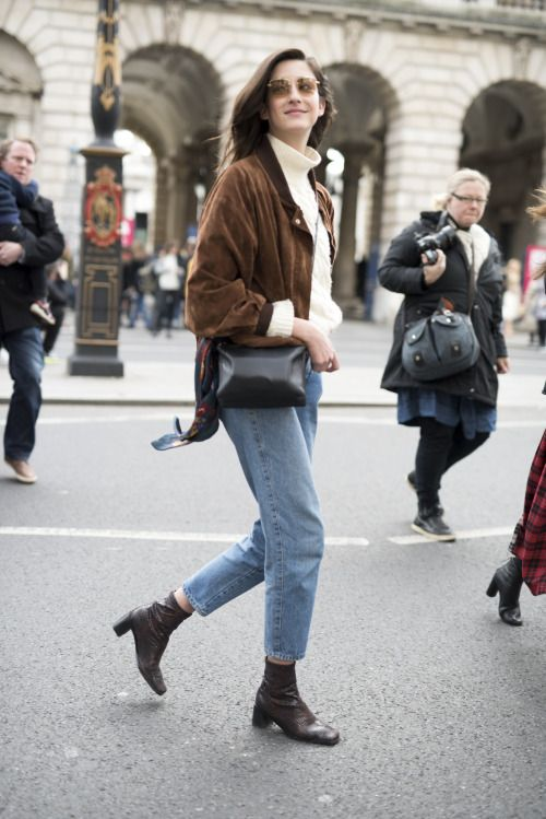 Suede, jeans, snake - this girl spreads a fresh '70s vibe. - Topshop Tumblr