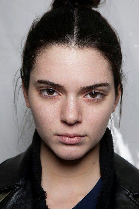 Kendall Jenner no make-up.