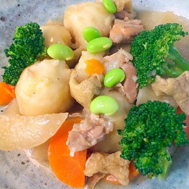小芋が美味しい季節です。 - 6件のもぐもぐ - 小芋と大根、人参、鶏肉の煮物 by Mamiko Nakayama
