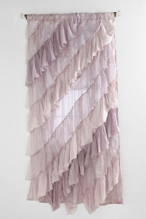 ruffle curtain by MissTuna