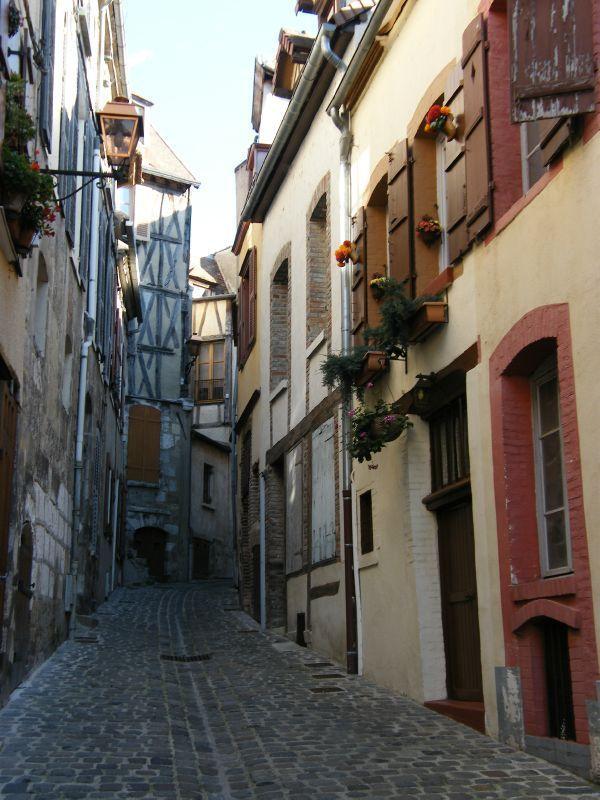 Joigny rue du Loquet