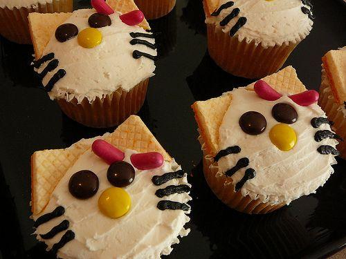 Hello Kitty Party Ideas & Free Printables