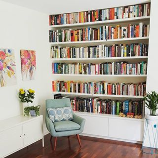 This super stylish reading wall. | 26 Bookshelves That Will Give You Serious Goals