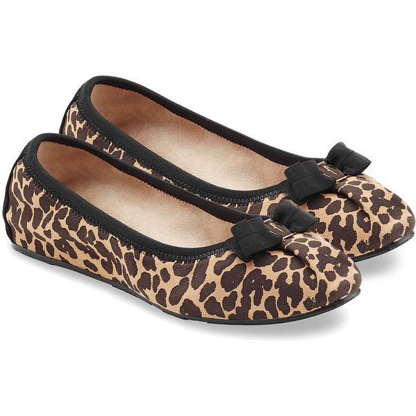 Salvatore Ferragamo Suede Leopard Print Ballet Flats ($155) ❤ liked on Polyvore featuring shoes, flats, scarpe, ballet flats, salvatore ferragamo, animal prints, animal print ballet flats, suede flats, ballet flat shoes and ballet shoes