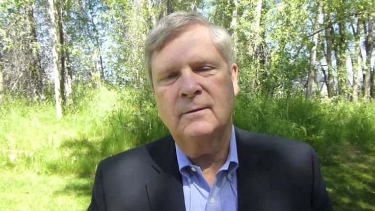 """Tom Vilsack of USDA on a Smart (Phone) Approach to GMO Info. The plan that he believes can circumnavigate the """"labeling GMO products problem"""". Does this solution solve the problem?"""