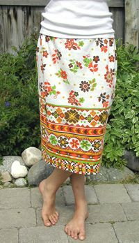 pillowcase skirt & 43 best DIY: Things to make from old pillowcases images on ... pillowsntoast.com
