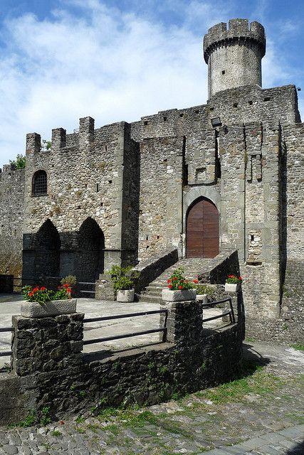 Castello di Malgrate, Lunigiana, Tuscany Italy