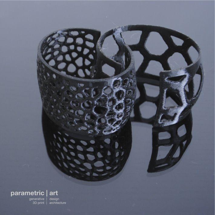 Designed and 3D printed by parametric|art http://parametric-art.com/2014/02/11/voronoi-3d-nyomtatott-generativ-ekszerek/