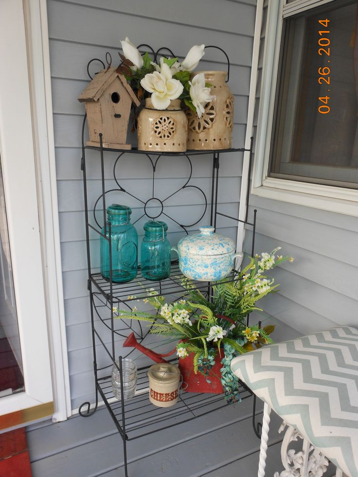 Out Door Bakers Rack Spring Front Porch Decorating Idea
