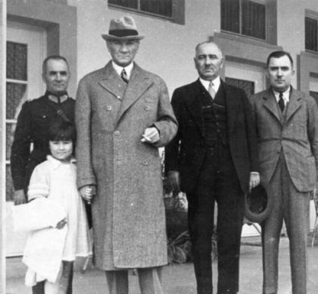 Atatürk with his adopted daughter Ülkü in Atatürk Orman Çiftliği, Ankara 1930s'