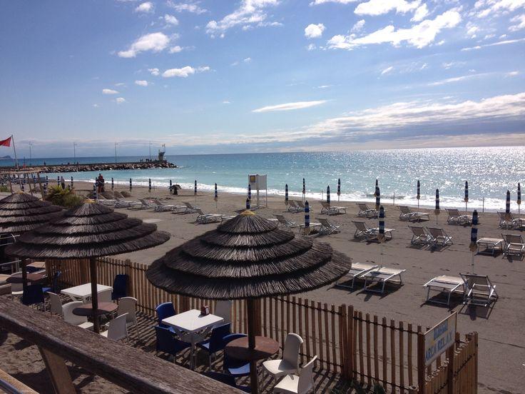 #Spiagge e #mare #Loano