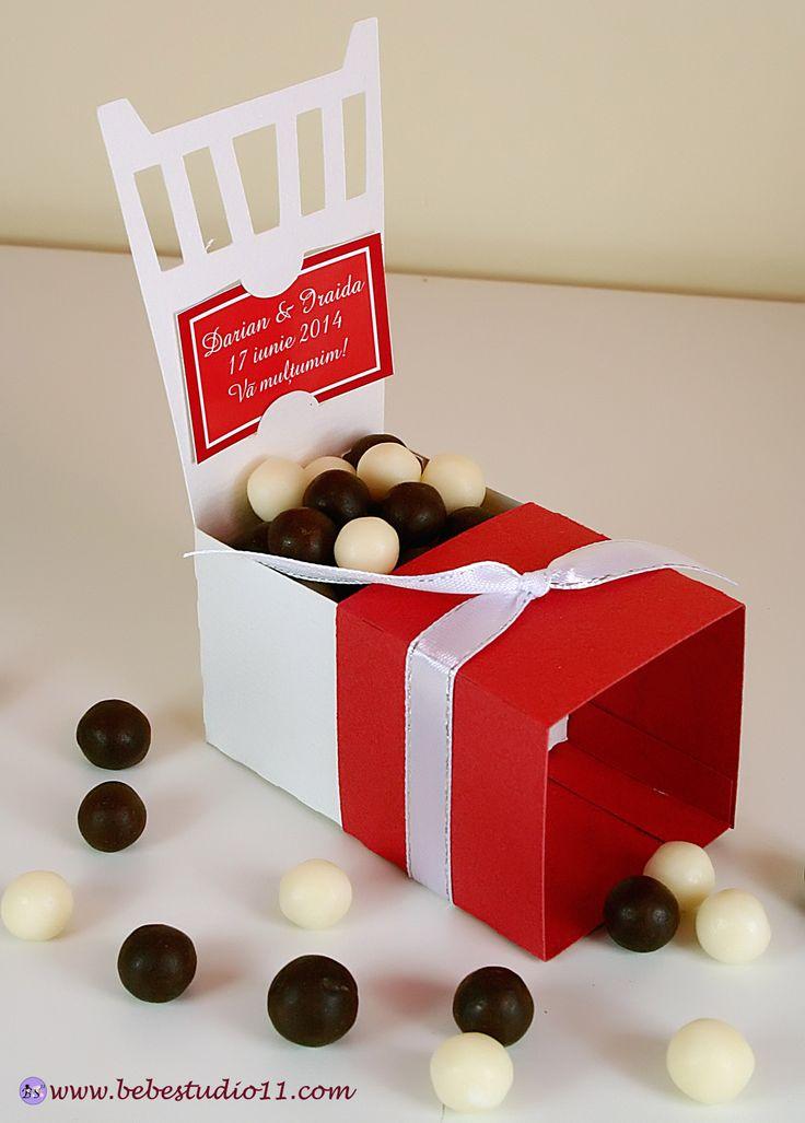 Marturii Nunta Cutiute bomboane Scaunele personalizate